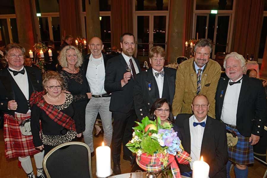 Bielefeld leute kennenlernen - PACO SAKO